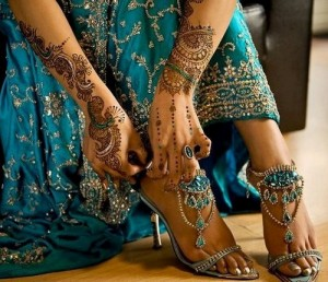 Bridal Eid Mehndi Design For Girls  300x258 Mehndi Designs for Eid ul Adha